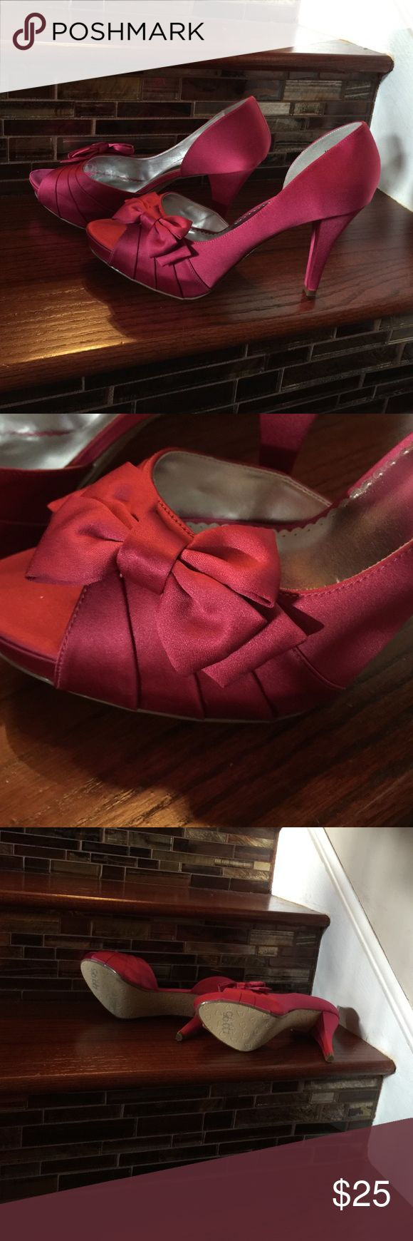 Fuscia  Satin Pumps Satin Pumps with bow. New, never worn. Shoes Heels