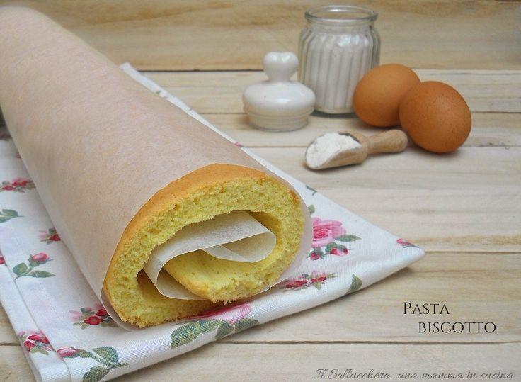 La pasta biscotto è un impasto base molto utilizzato in pasticceria. E' una base elastica e morbida ideale per dolci arrotolati e farciti.