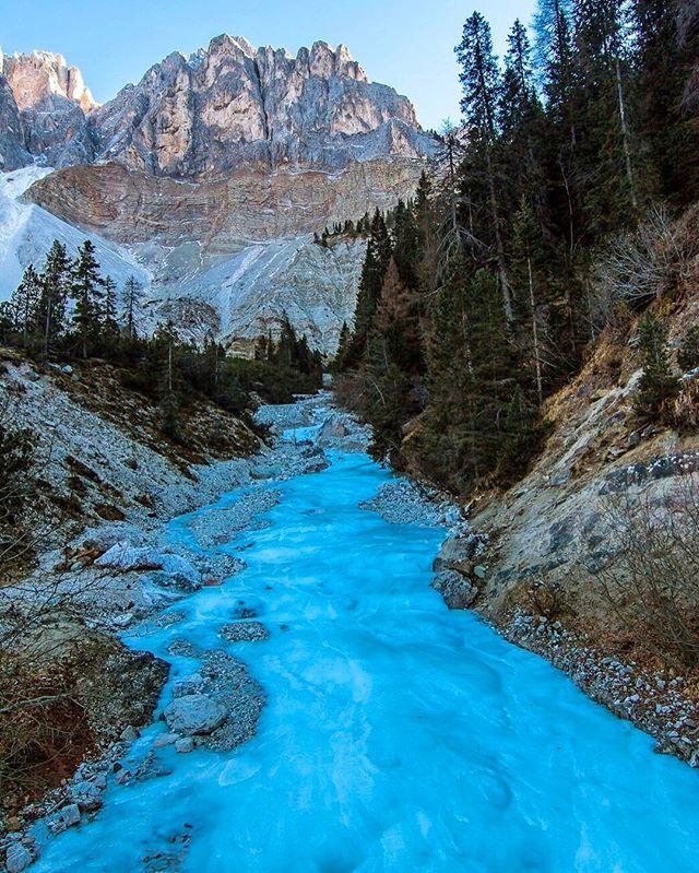 .....natural long exposure....❄️❄️❄️ good week!!!! #dolomiti 🔹 📍Passo delle Erbe (poco prima)  #altoadige  #sudtirol  #italy  #altoadigedascoprire  #altoadigeweb #yallerstrentino_altoadige #ffn_member #lifeinsouthtyrol  #canon_photos #thehub_trentino #bestmountainartists #bestcaptureglobal #worldbestgram #igworld_global #bestnatureshot  #amazing_shots #mountainworld #bestcaptureglobal #bns_nature #nature_perfection