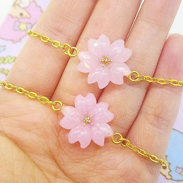 WEBSTA @ milkybon - Closer look #resin #handmade #sakura #cherryblossom #flower #spring #bracelet #cutejewelry #lolitafashion #kawaiifashion #kawaii #mahoukei #fairykei #pastel #resincraft #桜