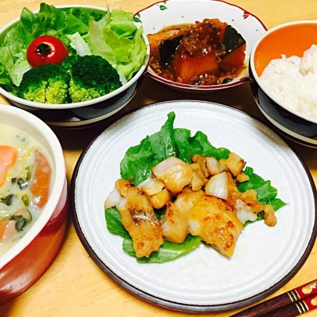 白身魚焼いたらフライパンに焦げ付いてボロボロに( ´;ω;` )油が足りなかったのかなぁ……。 - 7件のもぐもぐ - 本日の夜ご飯♡ by harumoka
