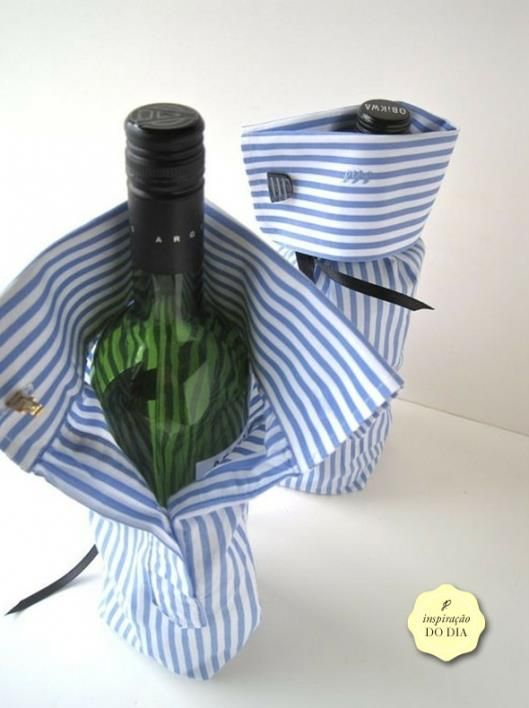 Shirtsleeves as whine bottle decoration. Looks fancy.