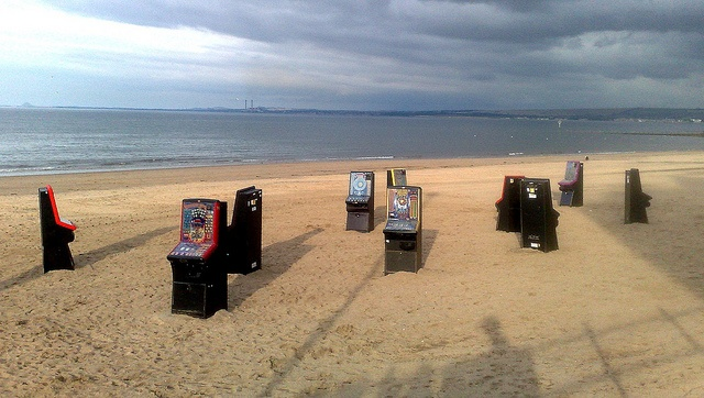 Big things on the beach art project Portobello