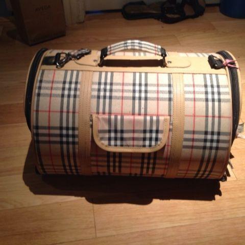 20 Burberry pet carrier accessories Oshawa / Durham