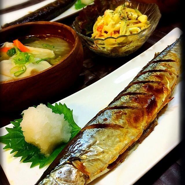 あとは水餃子スープ スパゲティサラダ明太子和え  北海道の秋刀魚はちょーでっかいど〜^ ^ - 101件のもぐもぐ - 秋刀魚〜( ´ ▽ ` )ノ by ひろ