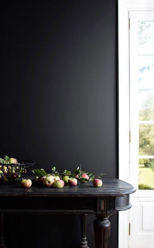 black wall with black table. / sfgirlbybay