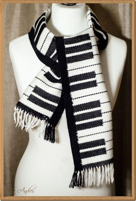 piano scarf, weave, weaving , szal dla pianisty, klawiatura