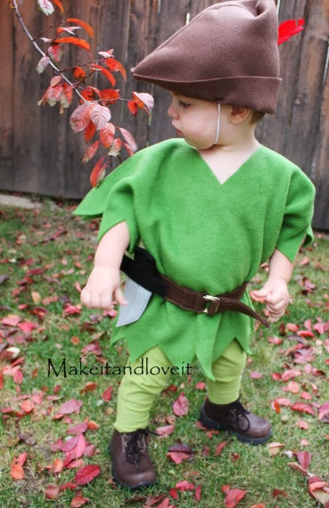Make It Love It shows us how to make this simple Peter Pan costume.