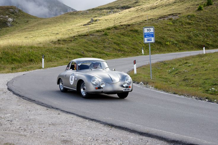 Porsche sulle strade delle Dolomiti...