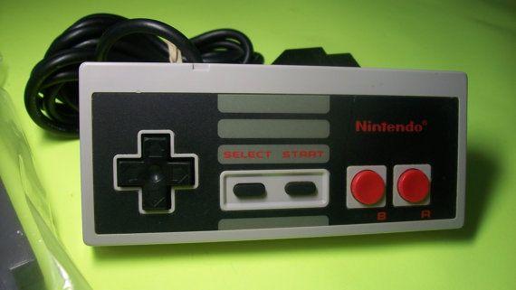 1985 Nintendo NES Duck Hunt Game & Original NES Controller