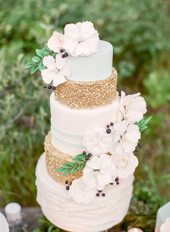 Glamorous wedding cake inspiration | Cakes by Jenna Rae Cakes | photo by Brittany Mahood | 100 Layer Cake