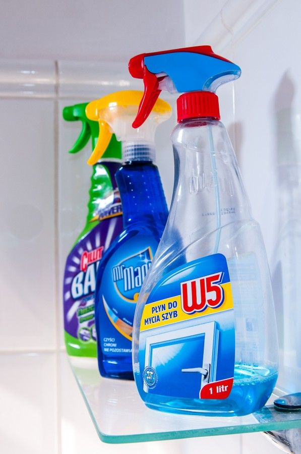 Make Your Own Windex! Ever wanted to make your own spray on glass cleaner, like windex, but without the chemicals? Well, try this recipe! Ingredients: 2 Cups of Distilled Water 1/2 teaspoon of dishwashing detergent 1/4 cup of Vinegar Spray Bottle How To Prepare: Place The Ingredients In The Spray…
