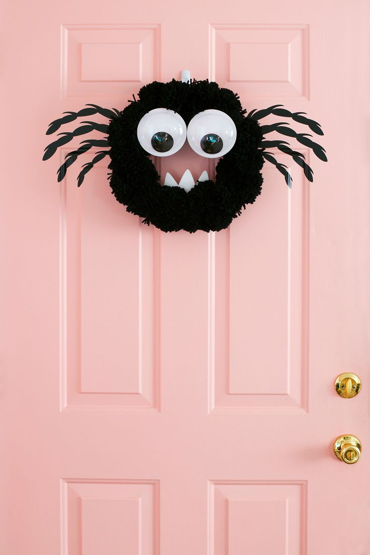 DIY Spider Wreath – Silhouette America Blog MUST do for 2018!
