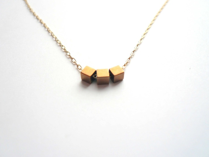 love geometric things: Dainty Jewelry, Dainty Gold Necklaces, Dainty Necklace, Geometric Things, Brass Cubes, Vintage Brass, Tiny Vintage, Gold Geometric, Geometric Necklaces