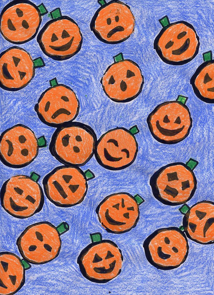 printed pumpkins with paper towel roll and paint art projects for kids - Preschool Halloween Art Projects