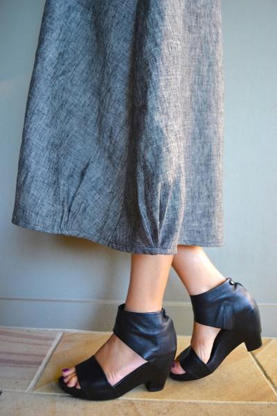 Lily Linen Dress Pattern - A4 Print At Home and Print At Copy Shop PDF - Patterns ~ hem detail