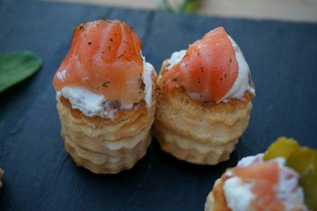 Volovanes de queso crema con salmón