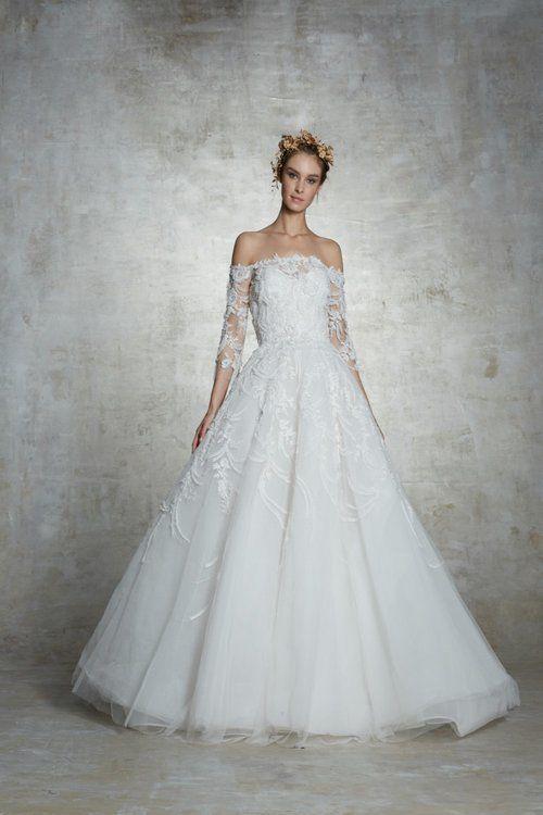 30ad89274b5bd Vestidos de novia corte princesa  diseños extraordinarios que no querrás  dejar escapar Image  36