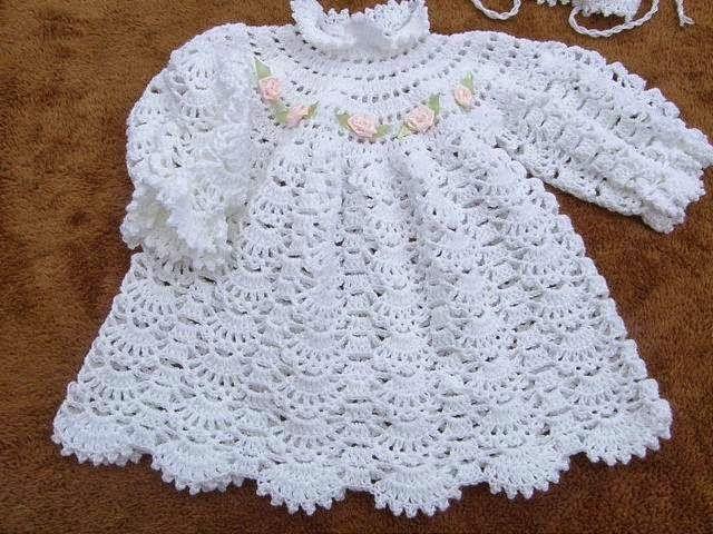 MyKnits.Ru: Крестильное платье и пинетки крючком.