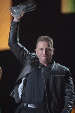 Johnny Reid won the Fan's Choice Award at the CCMA's last night.