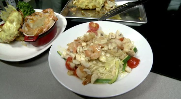 A new Noodles & Company restaurant opened in York County this week and today the local Manager of Operations, Dominic DePasquale joined us in the Fox43 kitchen to show off their menu and make a Bangkok Curry dish.    Noodles & Company Bangkok Curry Recipe  Serves 6-8  Ingredients: