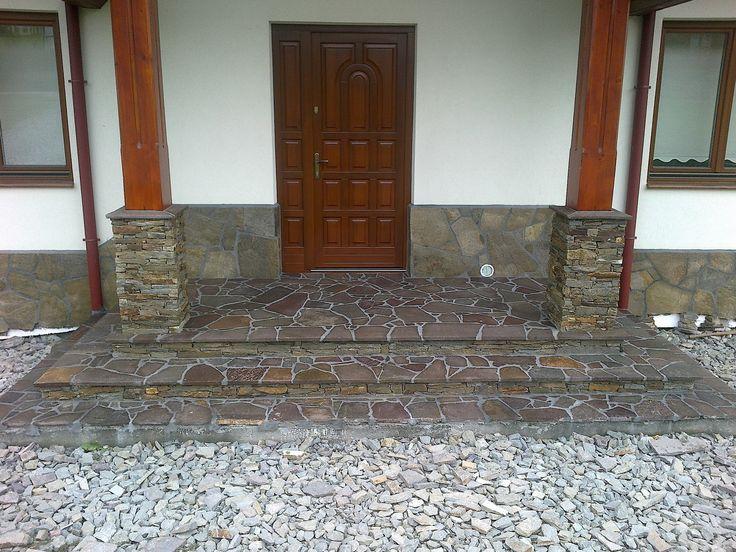 Połączenie elewacji ze schodami kamiennymi i chodnikiem z kamienia ozdobnego.   Zobaczcie nasze realizacje na www.hanwil.pl biuro@hanwil.pl tel: 667 083 023