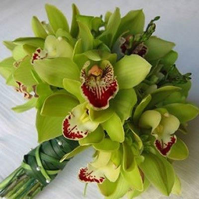 Орхидея 2 ветки  http://www.dostavka-tsvetov.com/shop/111/desc/buket-5