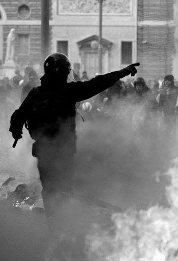 Rouge et Noir a Badem Ciflik: Vladimir Mayakovsky / Poem - At The Top Of My Voic...