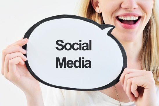 Community Manager diskutieren die neue Social Media Strategie der Agentur #socialmedia #AlexanderplatzHamburg