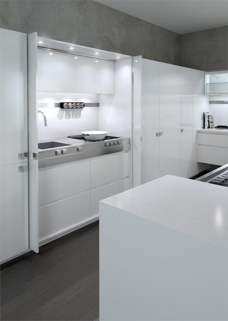 Lacquered #kitchen with island ESSENTIAL QUADRA by TONCELLI CUCINE | #design Tommaso Toncelli #white