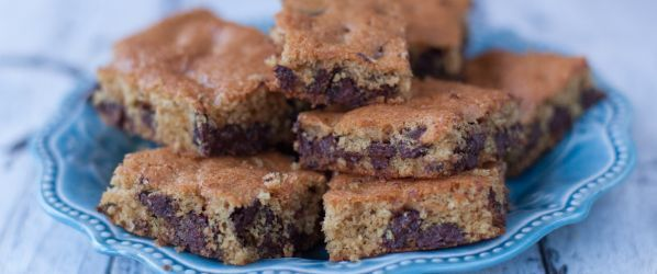 Nestle Toll House Chocolate Chip Pan Cookie Recipe - Genius Kitchensparklesparklesparklesparkle