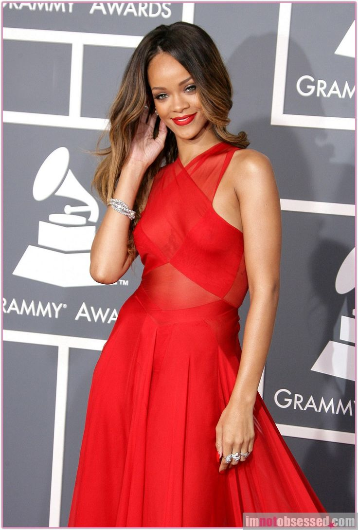 Rihanna at the Grammys 2013 | Long red dress, Cheap prom ...