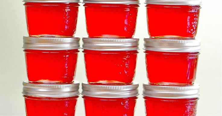 P A R A DISE J E LLY     Paradisejelly, a delicate combination of apples , quinces  and cranberries , is truly my favorite jelly. A bea...