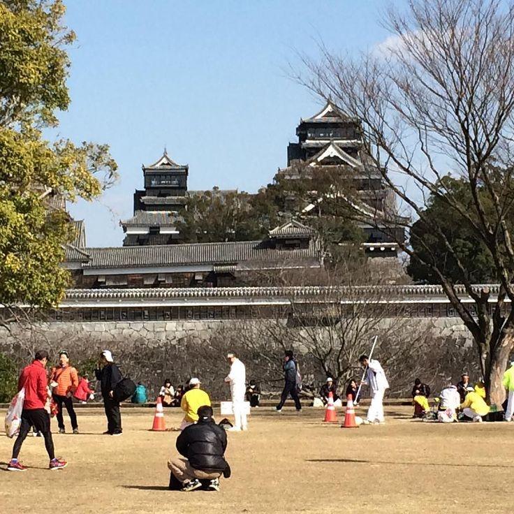 ゴールは熊本城でした  #熊本城マラソン2016  #熊本城 #タイピーエン #太平燕  #予定通りの時間#サブ4は脚故障するから狙わないようにと言われました by tottoko1018