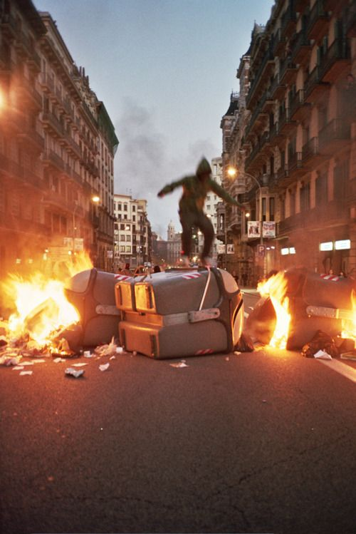 A SUNNY AFTERNOON OF RIOTING IN BARCELONA By Santiago Salvador, Alejandra Núñez