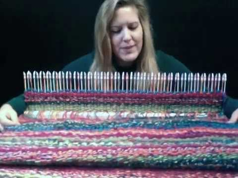 How to weave a circle on the peg loom - YouTube