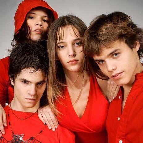 Hace 14 años nos despedimos de #RebeldeWay  Los extrañamos!  #freshmagrd #freshrevista #erreway #music #guys #friends