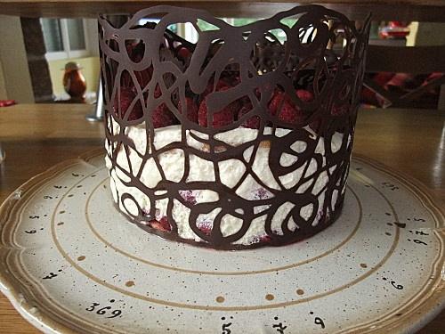 Décoration facile de gateau- Dentelle en chocolat