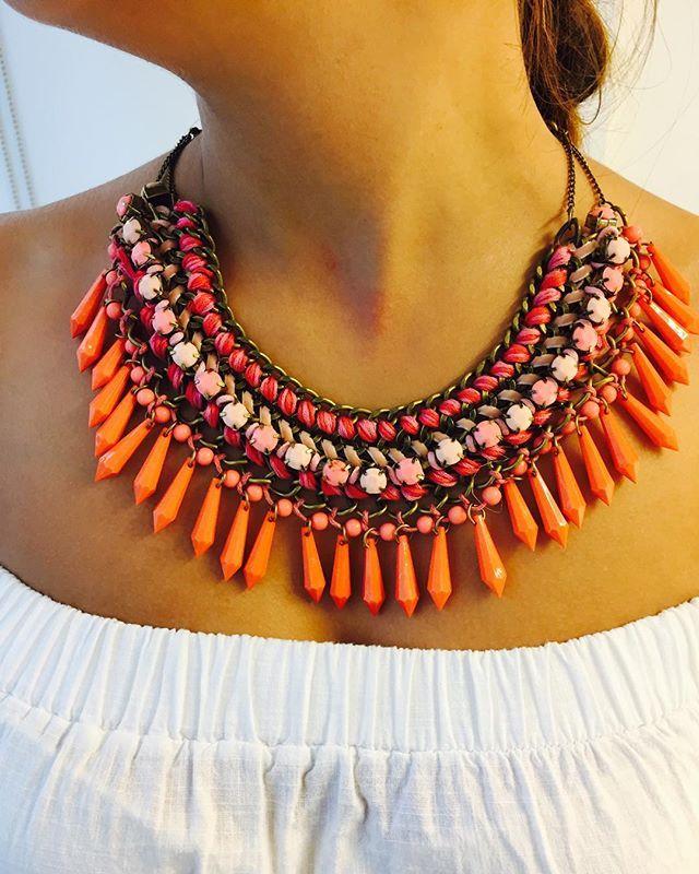 Sonbaharda içimizi açacak renkler  Turuncu Zara kolyemiz satıştadır  45 TL ve Kargo ücretsizdir  Bilgi ve Sipariş için DM ya da WhatsApp 05388720975 / 05336074630  #zara #kolye #necklace #outfit #outfitoftheday #mango #online #shop #love #orange #likeforlike #like4like #fashion #alışveriş