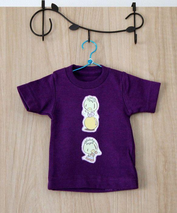装飾用のミニTシャツです。(※黄色いプラスチックハンガー付きの'ミニT'とは違うサイズです。)両面にアイロンプリントし、布用絵具で縁取...|ハンドメイド、手作り、手仕事品の通販・販売・購入ならCreema。