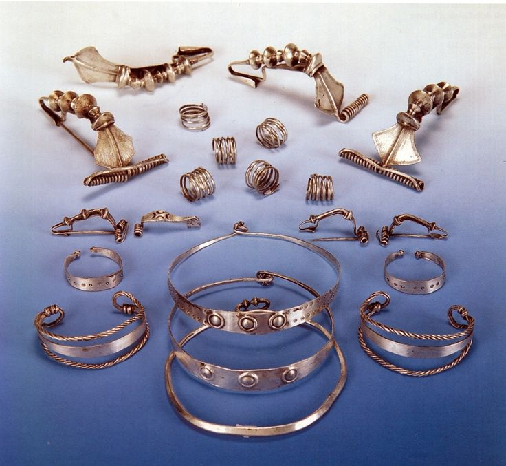 Dacian jewelry