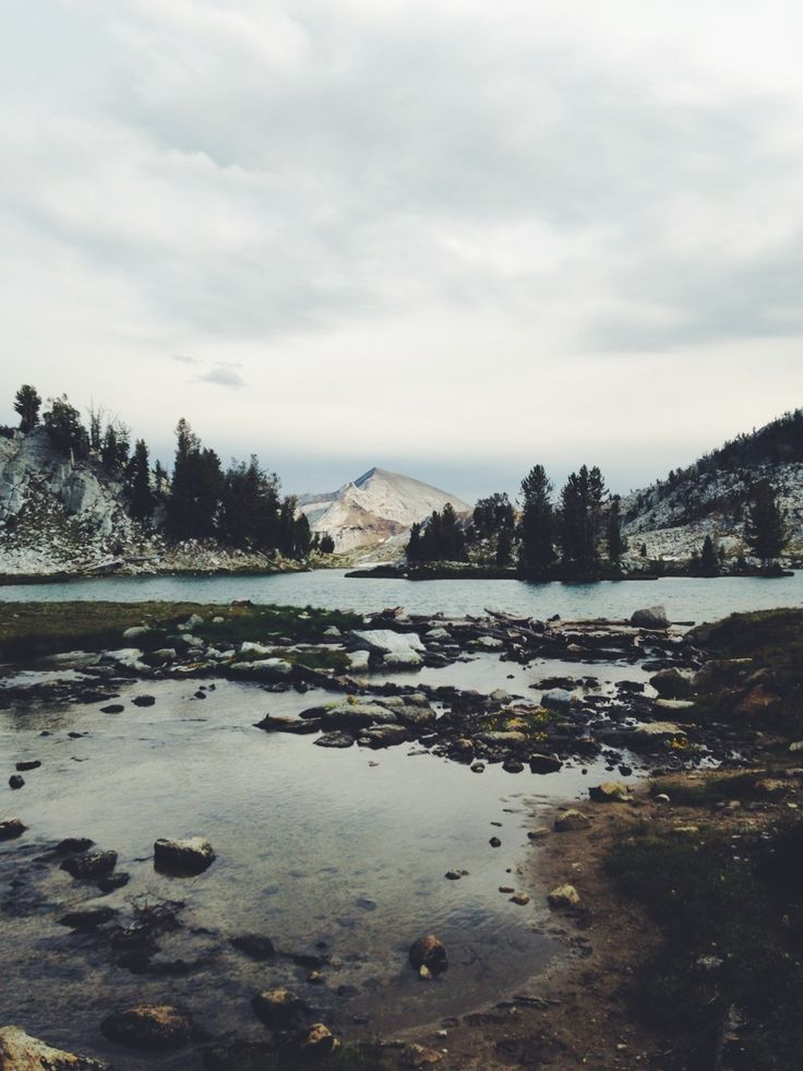 Hushed #mtns #water #outside