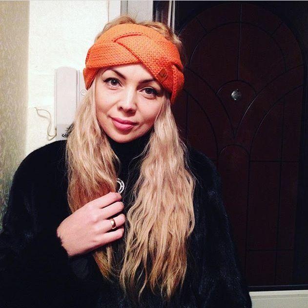Beautiful woman headband braid. Made from  merino yarn.