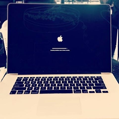 Happiness is seeing a mac loading #exams #boards #webdesign #software #HTML #css #java #javascript#apple  #actionshots #adrenalinejunkie #adrenalinemoment #wanderlust #adrenalinelife #like1000 #backstage #mesiguestesigo #goodday #goodvibes #nice #megustapormegusta #instabuin  #like4like #follow4follow #follow4like #likeforfollow