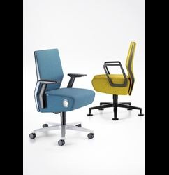 Voor de luxe woon/werkkamer deze heel speciale Interstuhl Volume 8 bureaustoel....