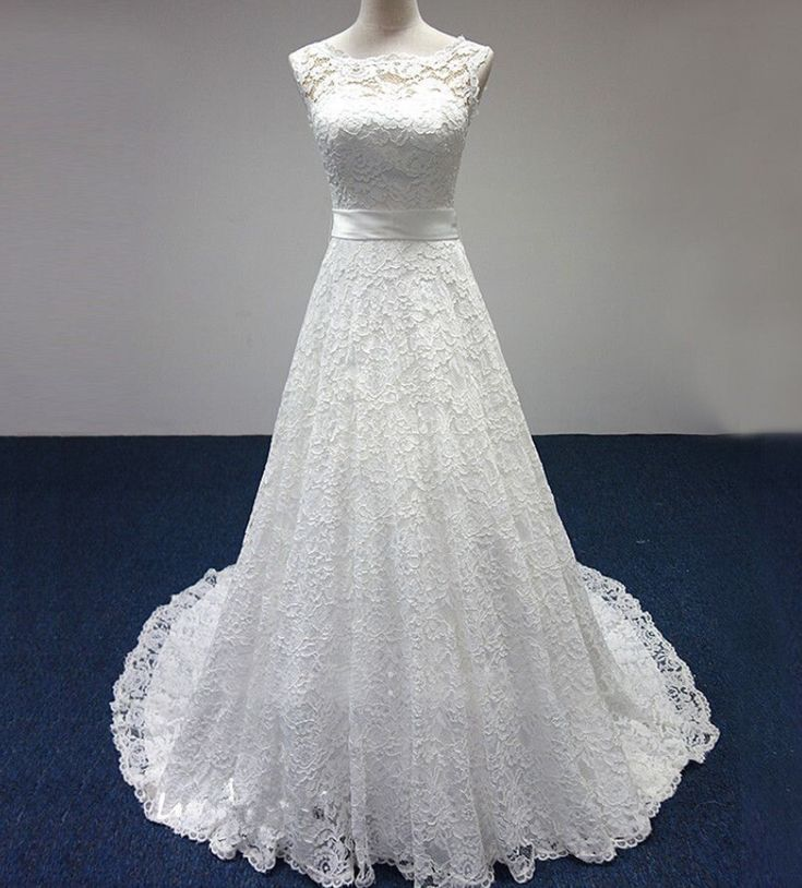 White/Ivory Lace Train Bridal Gown Lace Wedding Dress