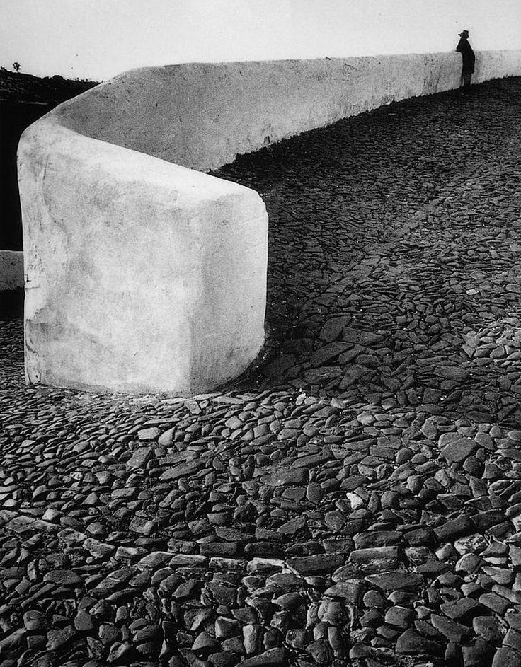 greeneyes55:  Portugal 1985 Photo: Eduardo Gageiro