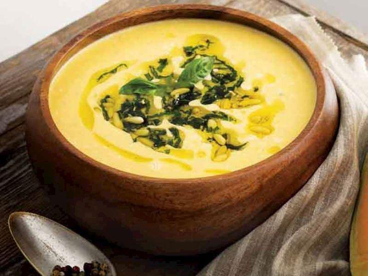 Fesleğenli ve dolmalık fıstıklı balkabağı çorbası