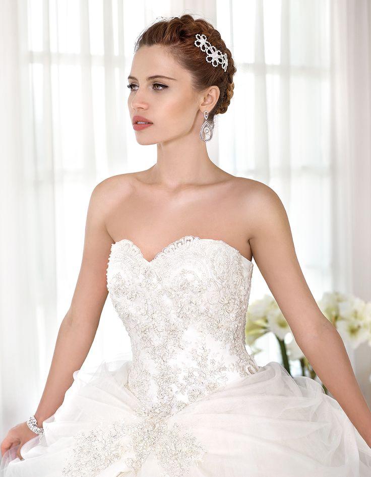 Abito da sposa Delsa, linea Maria Cristina 2016 F2231/1 Tulle e pizzo ricamato Colore:Bianco Seta  #delsa #delsa2016 #mariacristina #biancoseta #tulle #pizzoricamato #weddingdresses #bridaldresses