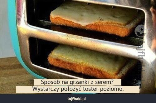 Grzanki w tosterze - Sposób na grzanki z serem? Wystarczy położyć toster poziomo.